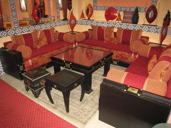 la composition classique du salon marocain. Black Bedroom Furniture Sets. Home Design Ideas